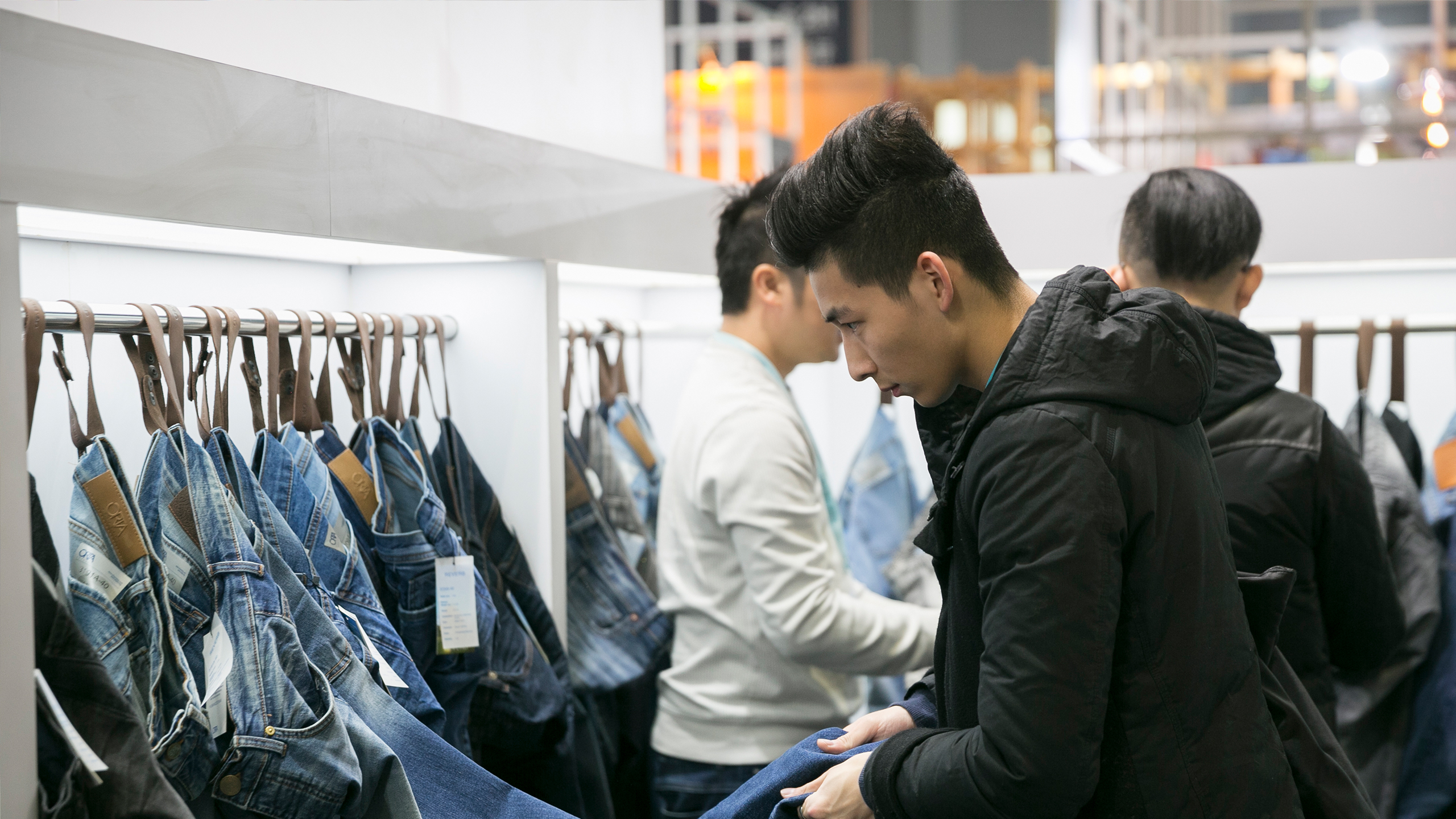 Intertextile Shanghai Apparel Fabrics Besucher
